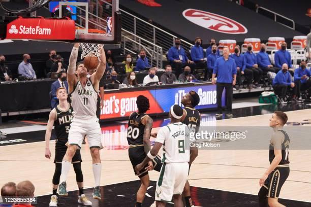 Playoffs: Milwaukee Bucks Brook Lopez in action, dunking vs Atlanta Hawks at State Farm Arena. Game 6. Atlanta, GA 7/3/2021 CREDIT: Greg Nelson