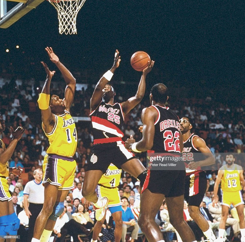Portland Trail Blazers Jerome Kersey In Action Vs Los