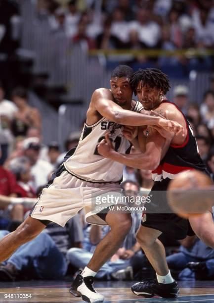 NBA Playoffs San Antonio Spurs Tim Duncan in action vs Portland Trail Blazers Brian Grant at Alamodome Game 1 San Antonio TX CREDIT John W McDonough
