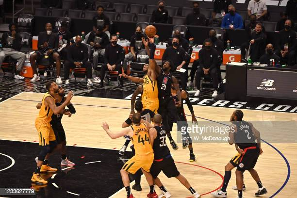 Playoffs: Utah Jazz Donovan Mitchell in action, jump ball vs Los Angeles Clippers Patrick Beverley at Staples Center. Game 4. Los Angeles, CA...