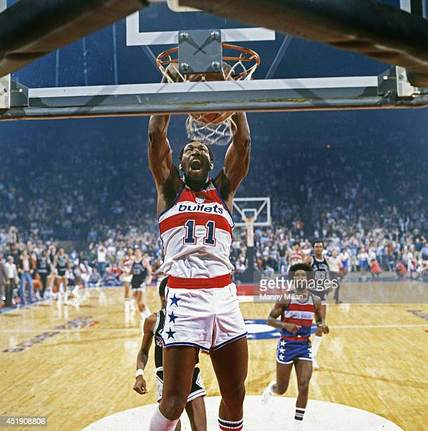 NBA Playoffs Washington Bullets Elvin Hayes in action dunking vs San Antonio Spurs at Capital Centre Game 6 Cover Landover MD CREDIT Manny Millan