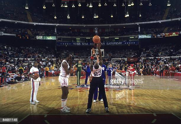 NBA Slam Dunk Contest Chicago Bulls Michael Jordan in action during All Star Weekend Chicago IL 2/6/1988 CREDIT Walter Iooss Jr