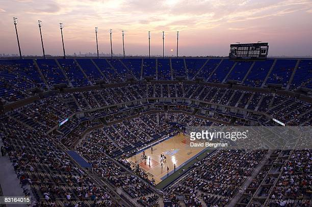 Overall view of New York Liberty vs Indiana Fever game at Arthur Ashe Stadium in National Tennis Center Sunset Flushing NY 7/19/2008 CREDIT David...