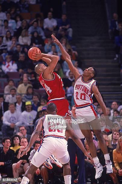 Basketball Philadelphia 76ers Charles Barkley in action vs Detroit Pistons Dennis Rodman Auburn Hills MI 3/2/1990