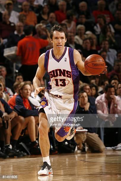 Basketball Phoenix Suns Steve Nash in action vs Golden State Warriors Phoenix AZ 1/7/2007
