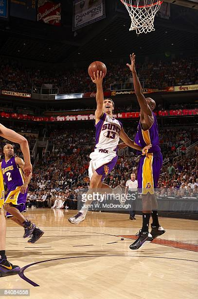 Phoenix Suns Steve Nash in action vs Los Angeles Lakers Phoenix AZ CREDIT John W McDonough