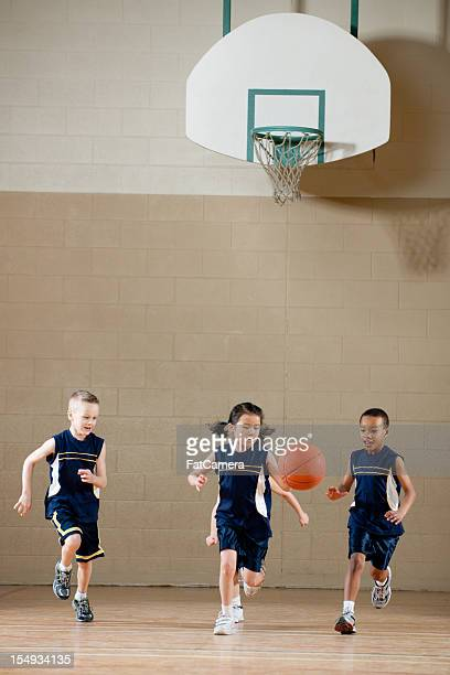 basketball - vertikal stock-fotos und bilder