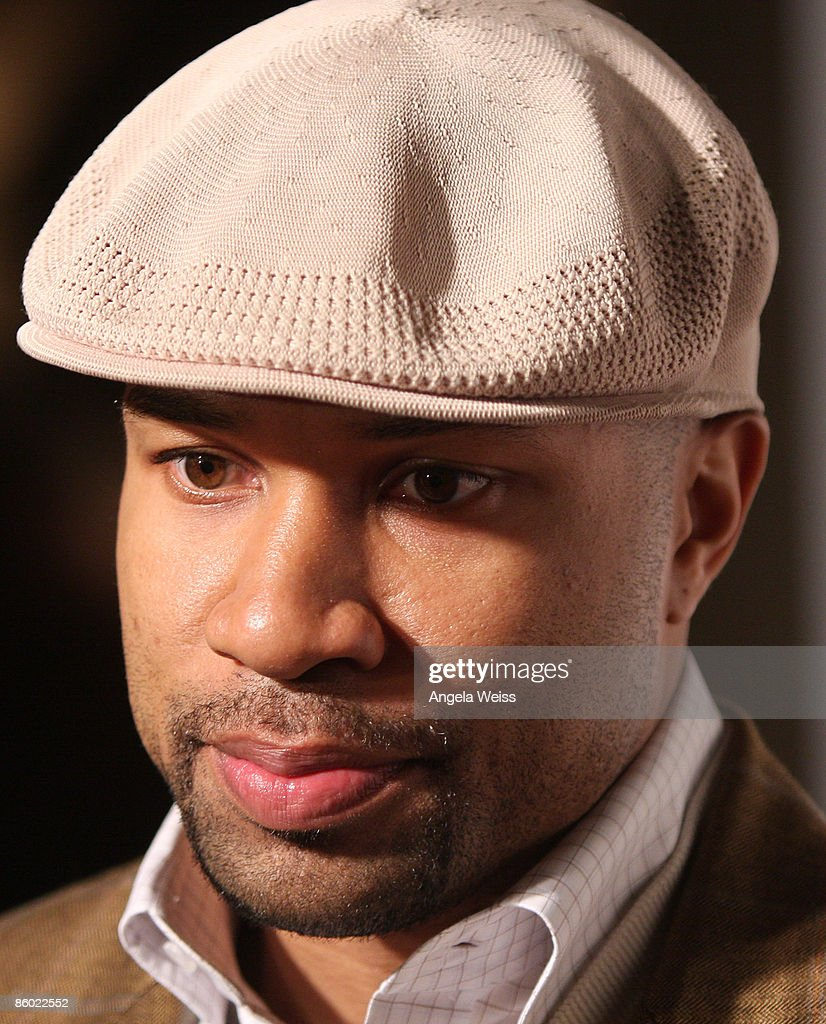 Basketball player Derek Fisher of the L.A. Lakers arrives at the 5th Anniversary Dinner of the Cathy's Kids Foundation hosted by Lamar Odom at the Roosevelt Hotel on April 17, 2009 in Hollywood, California.