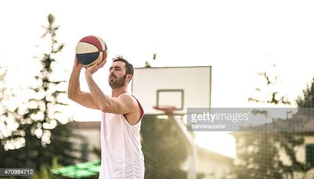 basketball player-jumping, um zu punkten