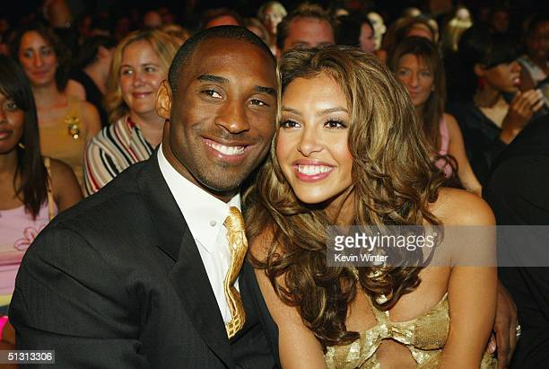 Basketball player Kobe Bryant and wife Vanessa pose during the 2004 World Music Awards at the Thomas and Mack Center on September 15 2004 in Las...