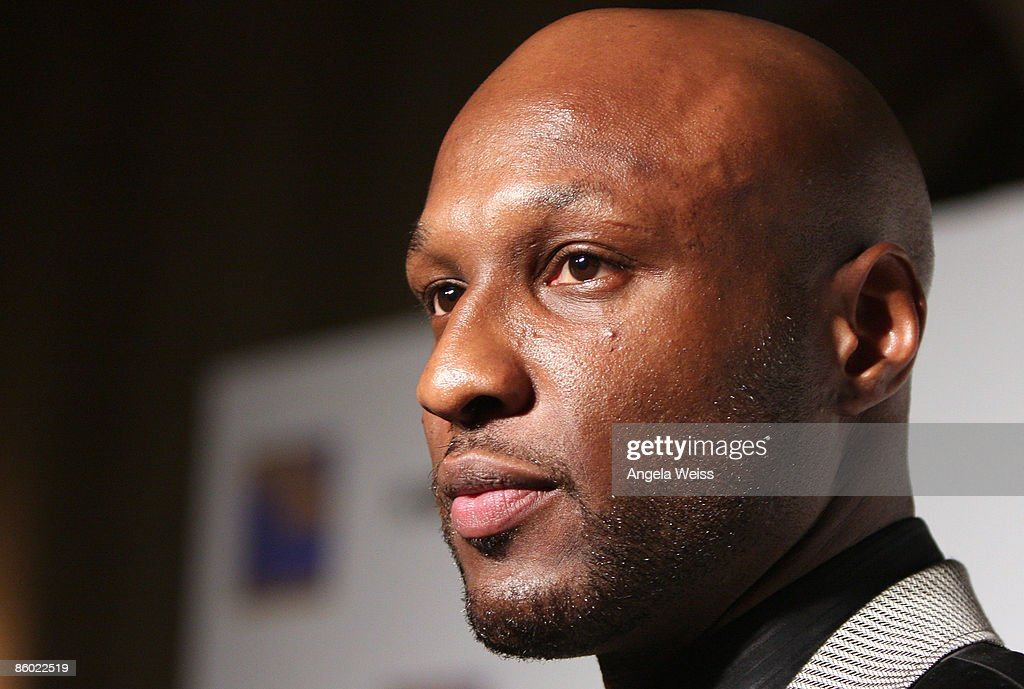 Basketball player Lamar Odom of the L.A. Lakers arrives at the 5th Anniversary Dinner of the Cathy's Kids Foundation hosted by Lamar Odom at the Roosevelt Hotel on April 17, 2009 in Hollywood, California.