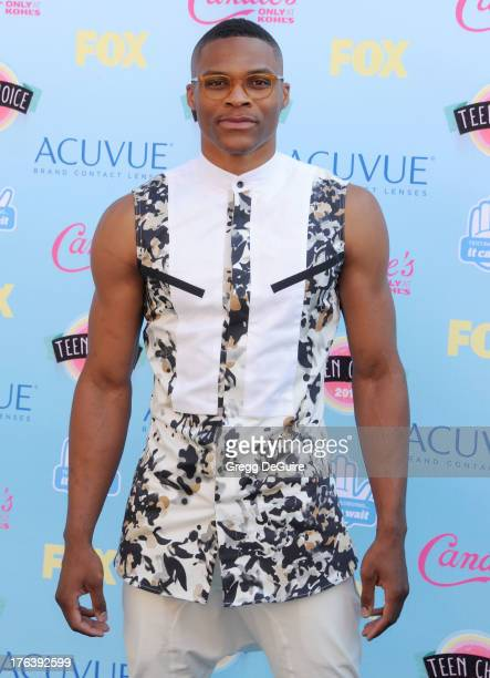 NBA basketball player Russell Westbrook who plays for the Oklahoma City Thunder arrives at the 2013 Teen Choice Awards at Gibson Amphitheatre on...