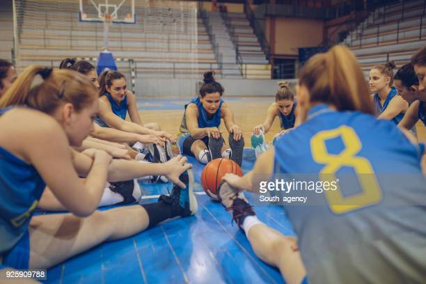 basketbalteam - basketbal teamsport stockfoto's en -beelden