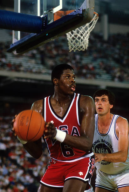 basketball-team-usa-patrick-ewing-in-act
