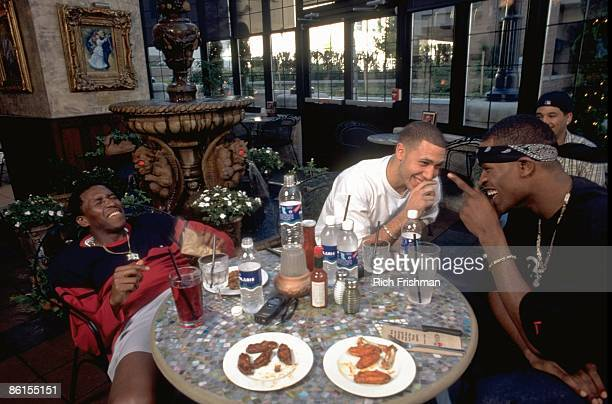 Vancouver Grizzlies Felipe Lopez Mike Bibby and Stephen Jackson having lunch at Cactus Club Cafe Vancouver Canada 9/29/1999 CREDIT Rich Frishman