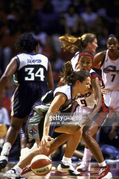 WNBA Finals New York Liberty Becky Hammon in action during Game 2 vs Houston Comets Janeth Arcain at Compaq Arena Houston TX CREDIT John W McDonough