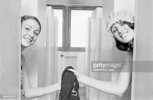 Women'S Team Of The Clermont University Club ClermondFerrant 25 mars 1974 l'équipe féminine de basket du CUC surnommée 'les filles de Clermont' à l'...