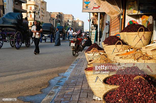 spices and street life in luxor, egypt - luxor thebes stock pictures, royalty-free photos & images