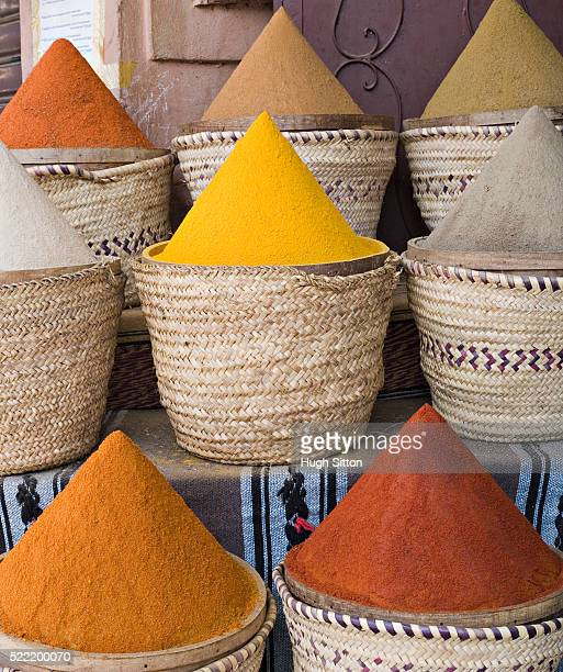 baskets of spices for sale - hugh sitton stock pictures, royalty-free photos & images