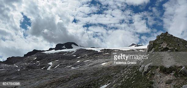 basodino glacier retreating due to global warming, swiss lepontine alps - retreating ストックフォトと画像