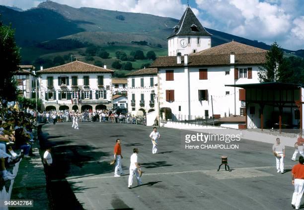 game of Basque pelota in the village of Sare Pays basque jeu de pelote basque dans le village de Sare