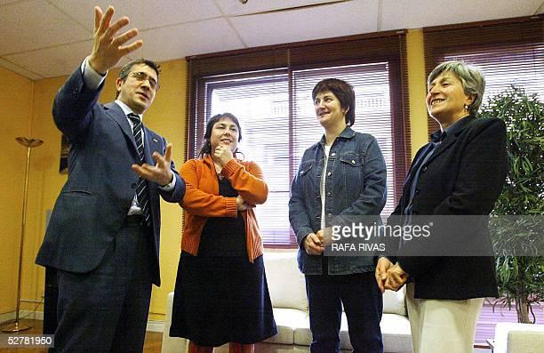 Basque Socialist Party leader and Basque Government Presidencial candidate Patxi Lopez talks to Euskal Herrialdetako Alderdi Komunista EHAKPCTV...
