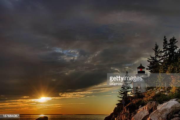 bass harbor farol ao pôr do sol - ogphoto imagens e fotografias de stock