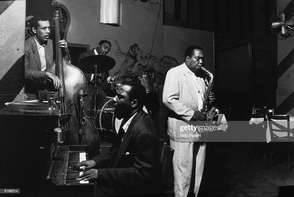 Jazz Musicians Play At Open Door : News Photo