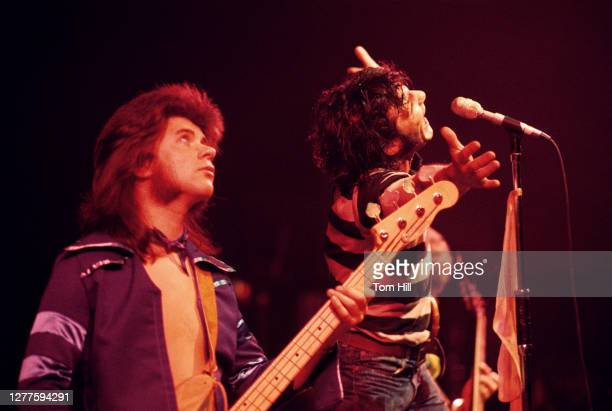 Bassist Chris Glen and singerfrontman Alex Harvey of the Sensational Alex Harvey Band perform at Alex Cooley's Electric Ballroom on March 18 1975 in...