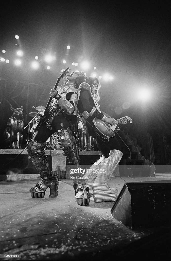 Kiss Guitarists : News Photo