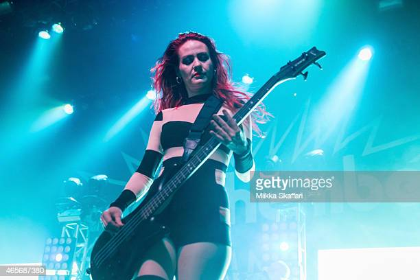 Coal Chamber Bassist Stock Photos and Pictures | Getty Images  Coal Chamber Ba...