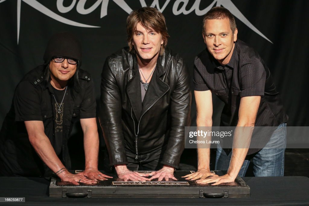 Goo Goo Dolls Inducted Into Guitar Center's Historic RockWalk