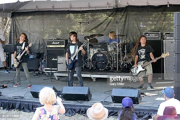 Bastian Evans Bryan Ferretti Kai Neukermans and Tye Trujillo of The Helmets perform in concert during the Austin City Limits Music Festival at Zilker...