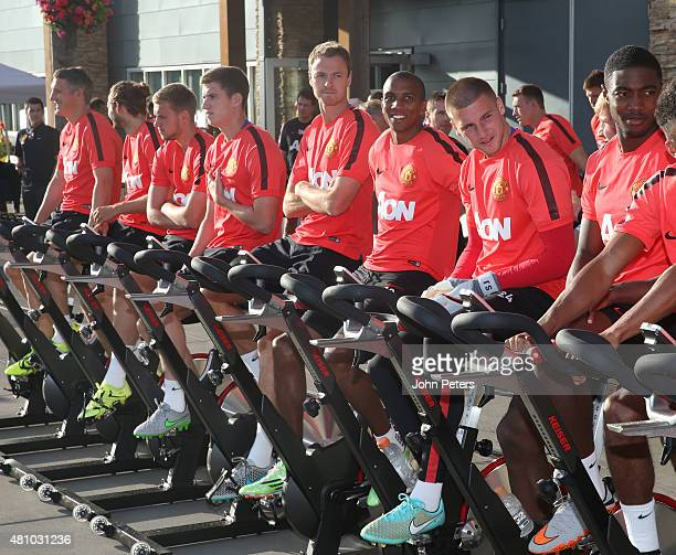 Bastian Schweinsteiger Daley Blind James Wilson Patrick McNair Jonny Evans Ashley Young Sam Johnstone and Tyler Blackett of Manchester United in...