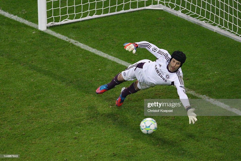 Bastian Schweinsteiger of FC Bayern Muenchen misses a