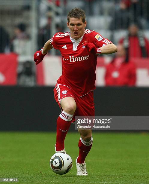 Bastian Schweinsteiger of Muenchen runs with the ball during the Bundesliga match between FC Bayern Muenchen and FSV Mainz 05 at Allianz Arena on...