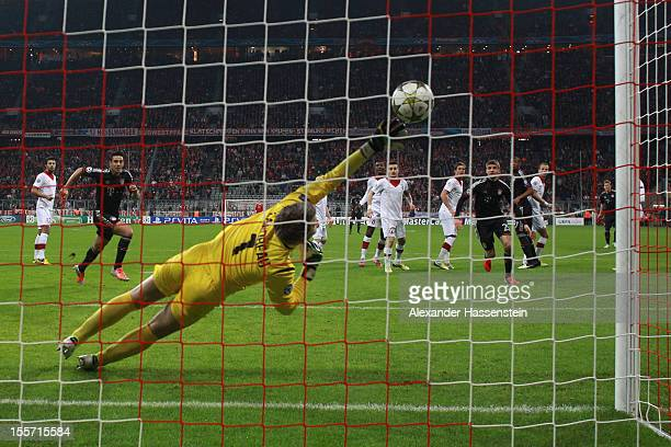 Bastian Schweinsteiger of Muenchen scores the opening goal during the UEFA Champions League group F match between FC Bayern Muenchen and LOSC Lille...