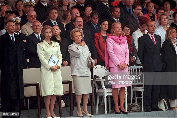 Bastille Day Military Parade And Garden Party At The Elysee Palace On July 14Th 2001 In Paris France Queen Sofia Bernadette Chirac And Mrs Forni
