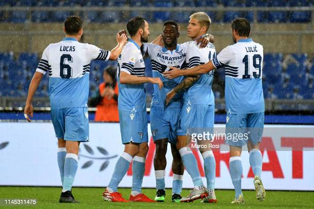 Bastos with his teammates of SS lazio celebrates after scoring the team's second goal during the Serie A match between SS Lazio and Bologna FC at...
