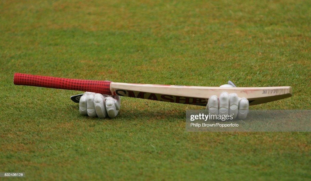 International XI v Pakistanis - Tour Match : News Photo