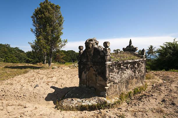Batak tombs