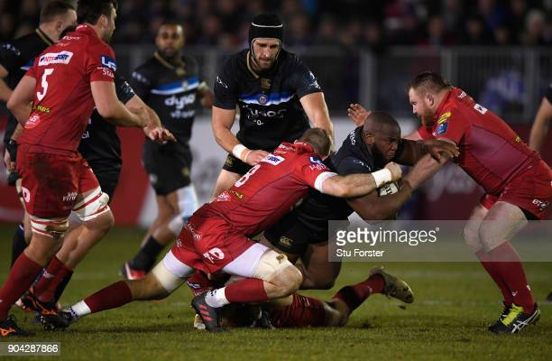 Bath prop Beno Obano runs at Ken Owens of the Scarlets during the European Rugby Champions Cup match between Bath Rugby and Scarlets at Recreation...