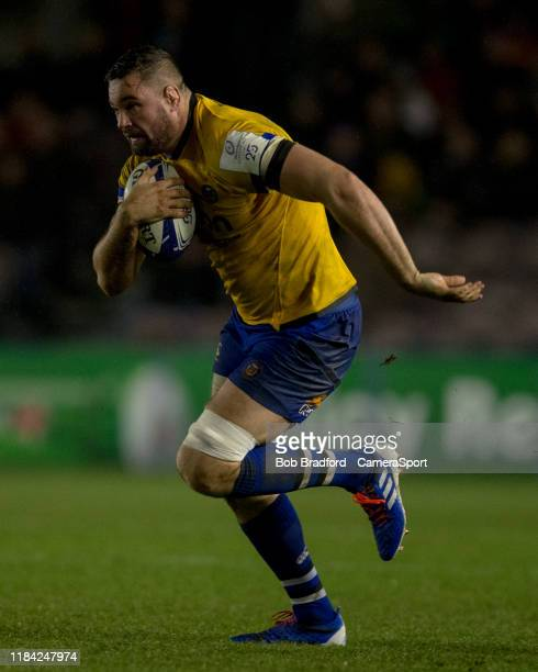 Bath Rugby's Elliott Stooke in action during the Heineken Champions Cup Round 2 match between Harlequins and Bath Rugby at Twickenham Stoop on...