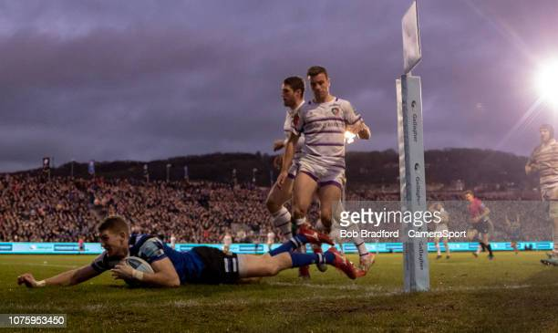 Bath Rugby's Ruaridh McConnochie scores his side third try during the Gallagher Premiership Rugby match between Bath Rugby and Leicester Tigers at...