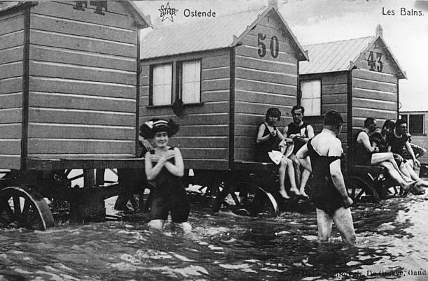 Bathers and bathing machines at Ostende.