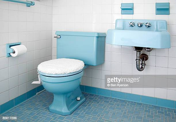 bathroom - toilet stockfoto's en -beelden