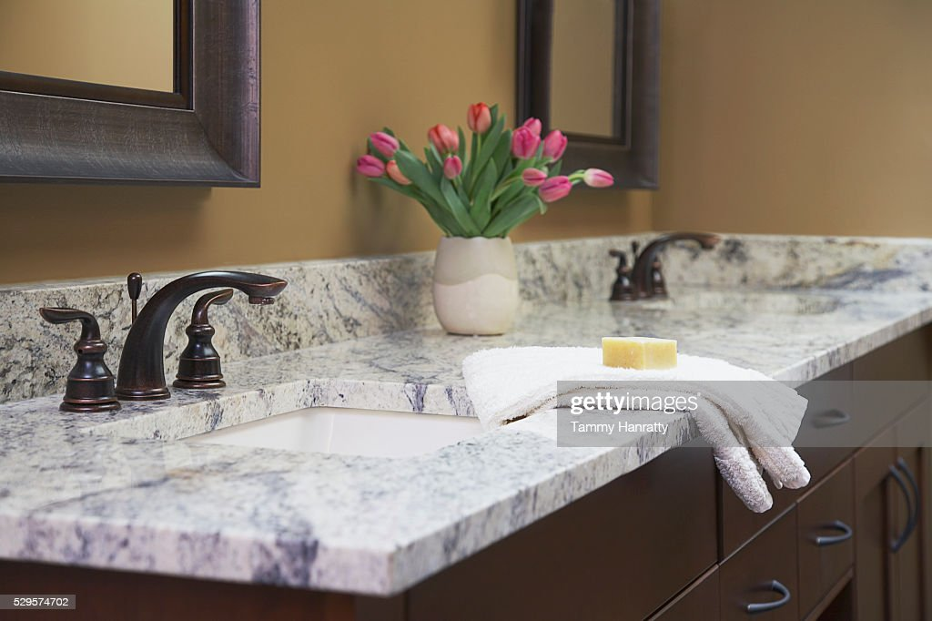 Bathroom sinks : Stock Photo