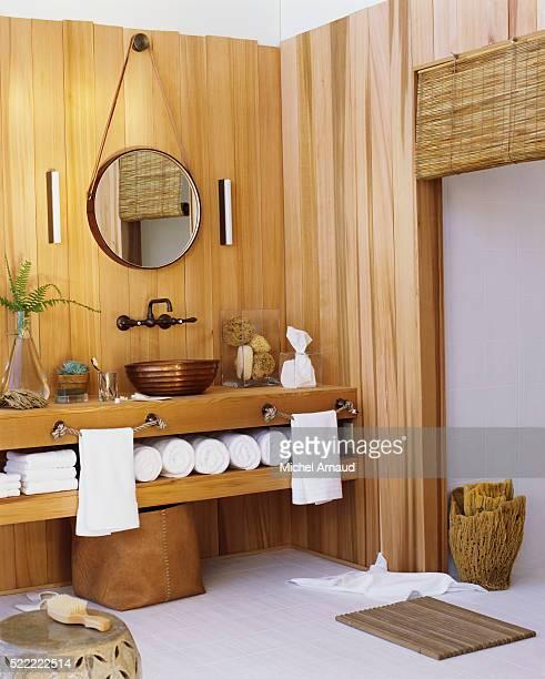 Bathroom Using Natural Materials