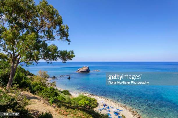 baths of aphrodite beach, latchi, cyprus - cyprus stockfoto's en -beelden