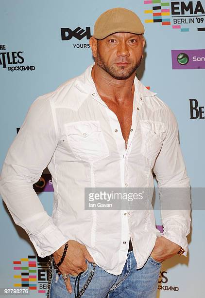 Batista arrives for the 2009 MTV Europe Music Awards held at the O2 Arena on November 5 2009 in Berlin Germany